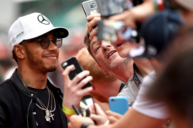 Lewis Hamilton, qui a de nombreux partisans à... (AFP, Andrej Isakovic)