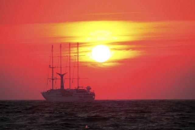 Sur l'île de Mykonos, en Grèce, un bateau...
