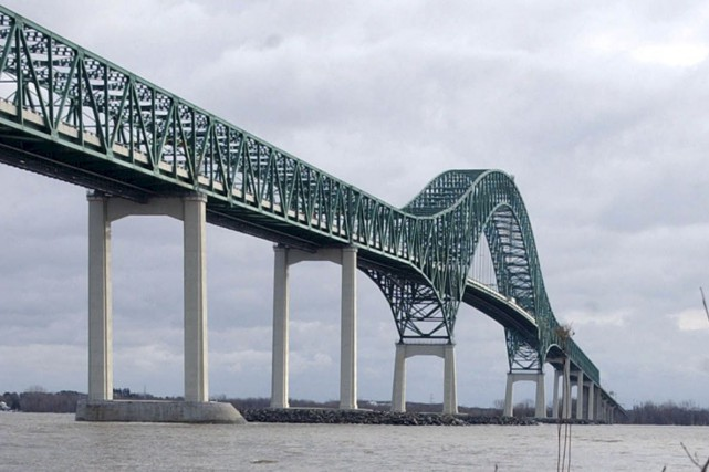 Le pont Laviolette... (François Gervais)
