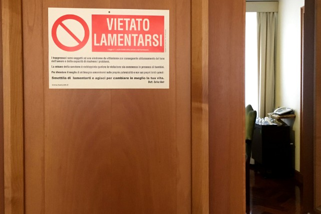 «Interdit de se plaindre!»: les visiteurs du pape François sont avertis dès... (Photo AFP)