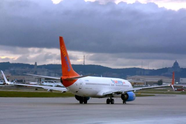 Le passager qui a menacé des passagers et... (PHOTO BERNARD BRAULT, ARCHIVES LA PRESSE)