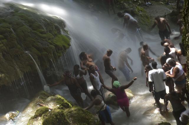 Chaque année, à la mi-juillet, des pèlerins se... (AFP, Hector Retamal)