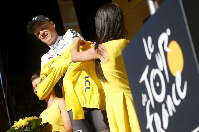 Le champion défendant du Tour de France, le... (AP, Peter Dejong)