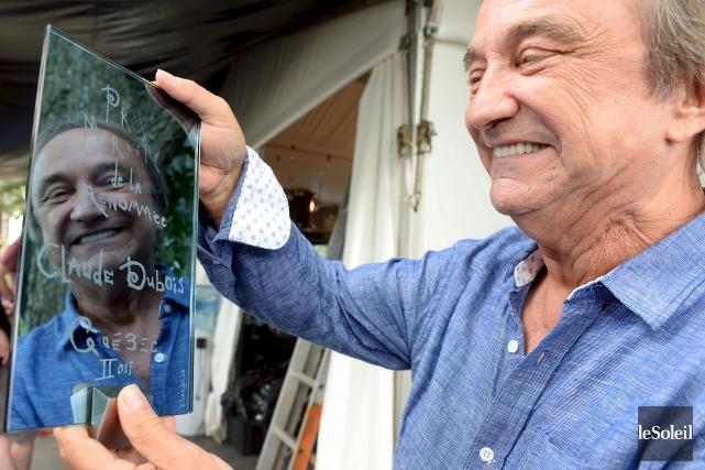 En recevant le prix Miroir de la Renommée... (Le Soleil, Erick Labbé)