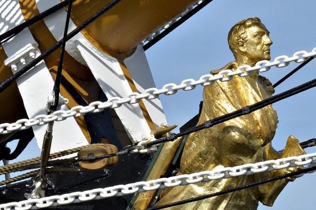 Le personnage à la proue du navire italien AmerigoVespucci,... (Le Soleil, Pascal Ratthé)