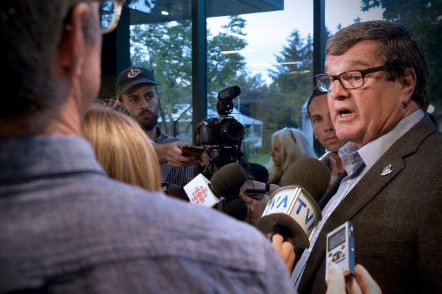 Le maire de Saint-Apollinaire, Bernard Ouellet, a reconnu... (Le Soleil, Pascal Ratthé)