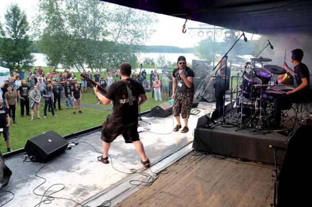 Le groupe montréalais Without Fate était sur scène... (Alain Dion)