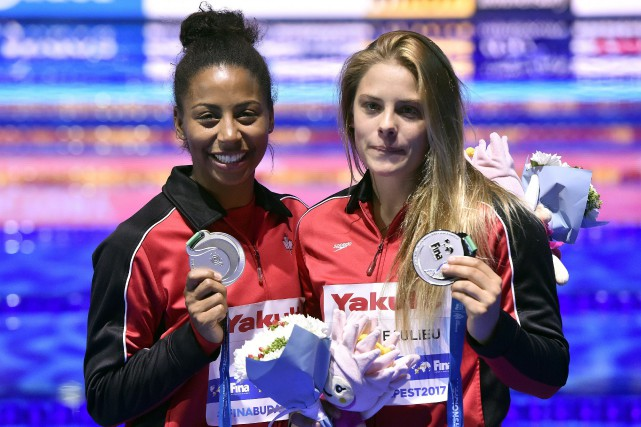 Jennifer Abel et Mélissa Citrini-Beaulieu.... (PHOTO AP)