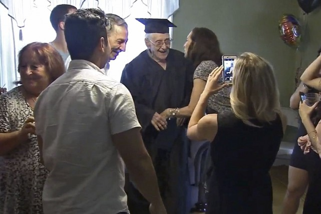 Charles Leuzzi, 97 ans, n'a pas exclu l'idée... (WPVI, via AP)