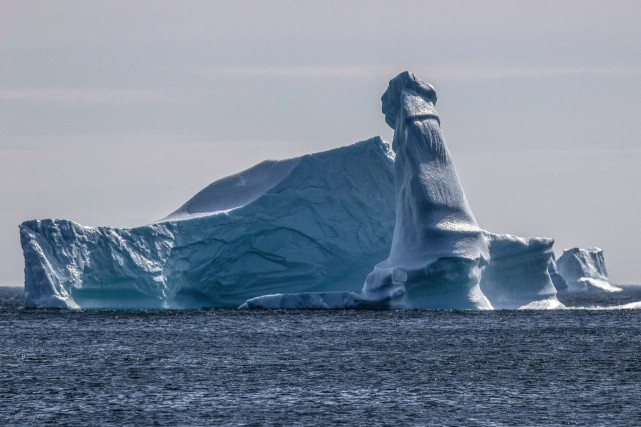 L'iceberg, probablement poussé par les forts vents, avait... (Photo La Presse canadienne)