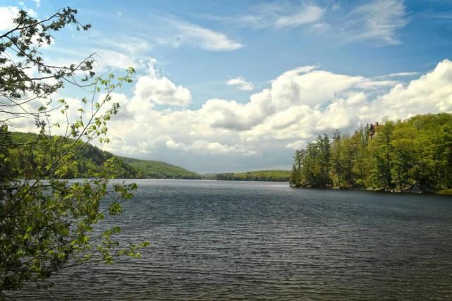 Le lac Meech est un tout petit lac,... (PHOTO BERNARD BRAULT, LA PRESSE)