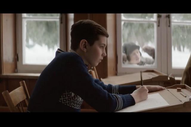 Le personnage du jeune Félix Leclerc est campé... (Capture d'écran)