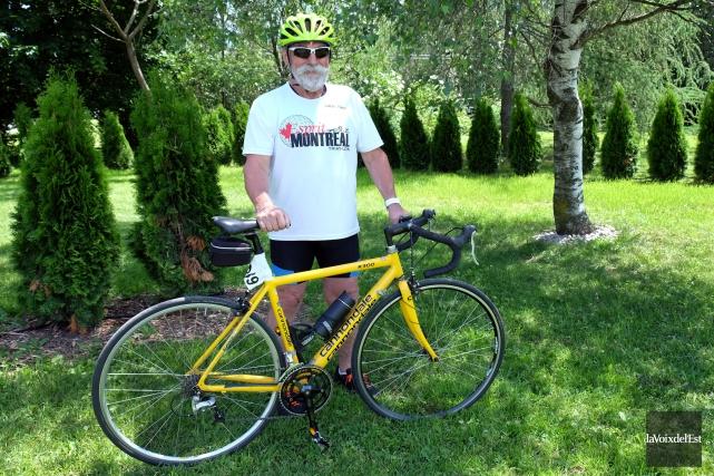 Paul-Yvon Robichaud, 72 ans, sera de la ligne... (Alain Dion, La Voix de l'Est)
