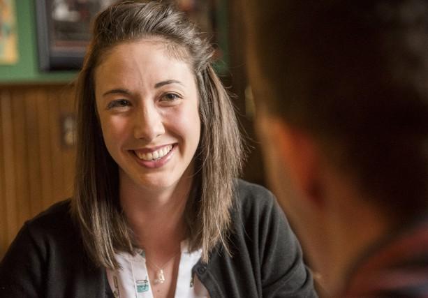 Suzy Rainville dirige le Baumann Smokehouse, minuscule restaurant... (Spectre Média, Frédéric Côté)