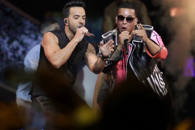 Luis Fonsi et Daddy Yankee lors des Latin... (PHOTO ARCHIVES AP)