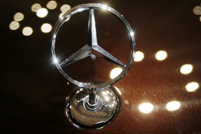 Daimler --le holding qui contrôle Mercedes-Benz-- rappelle 3... (Photo : AP)