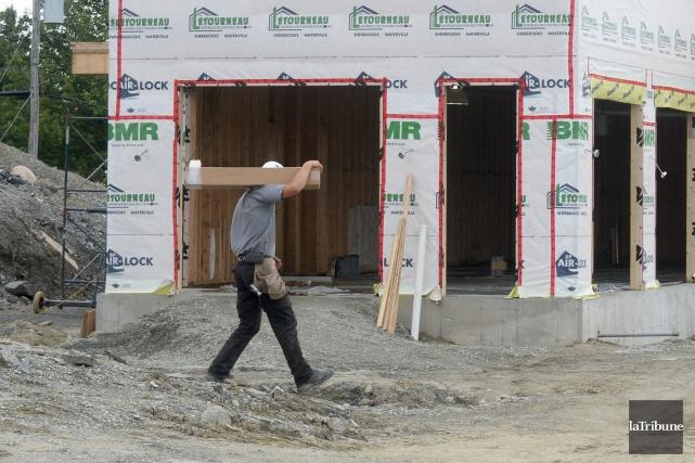 Au moment où les coups de marteau cesseront de résonner sur les chantiers de la... (Archives La Tribune, Maxime Picard)