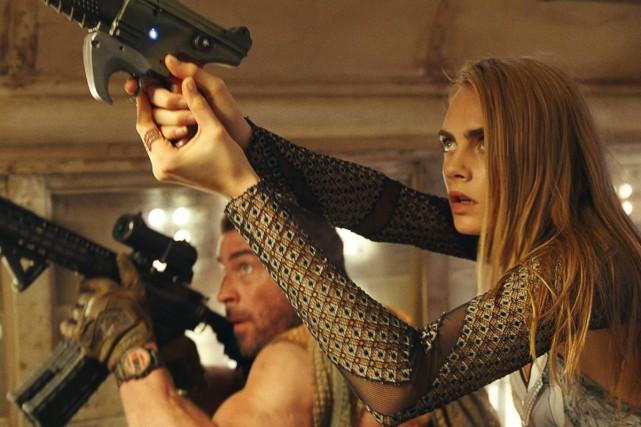 Cara Delevingne dans une scène de Valérian et... (PHOTO AP)