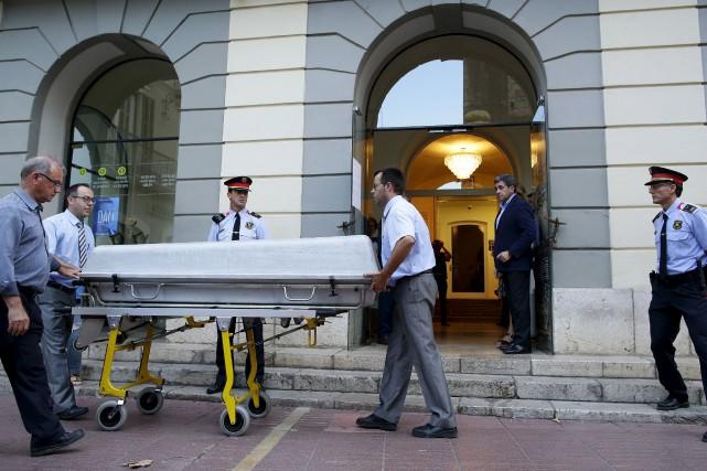 Fin juin, la justice a ordonné l'exhumation du... (AP, Manu Fernandez)