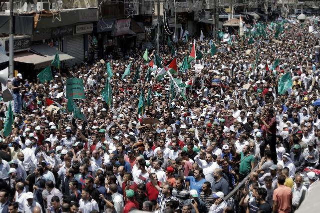 La manifestation intervient après une semaine de vives... (AFP)