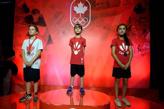 De jeunes athlètes ont été honorés lors de... (La Presse photo Bernard Brault,)