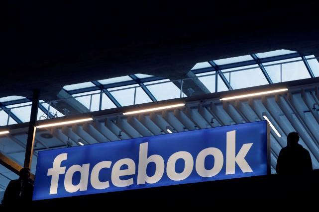Facebook cherche à diversifier ses activités et sources... (PHOTO ARCHIVES REUTERS)