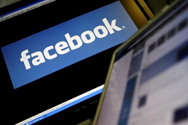 On retrouverait notamment sur ce «Facebook Phone» un... (Archives AFP, Leon Neal)