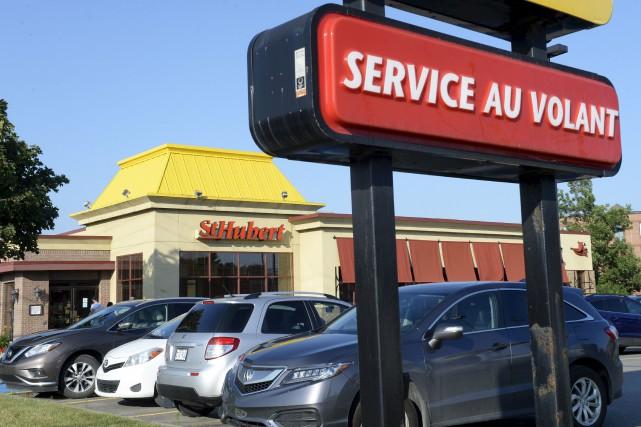 Ouvert depuis 37 ans, le restaurant St-Hubert du... (Le Soleil, Jean-Marie Villeneuve)
