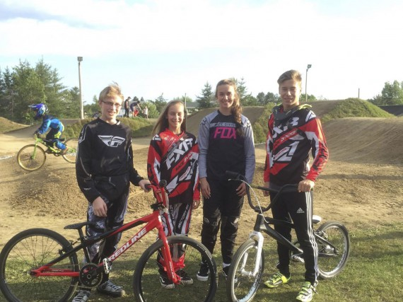 Les quatre représentants du club de BMX de... (Courtoisie)