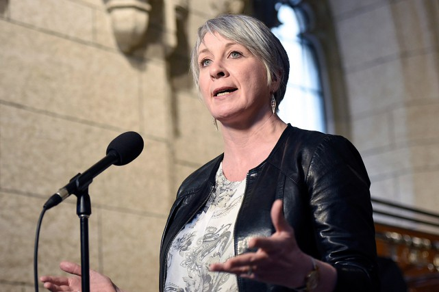 La ministre de l'Emploi et du Développement social Patty... (PHOTO JUSTIN TANG, ARCHIVES LA PRESSE CANADIENNE)