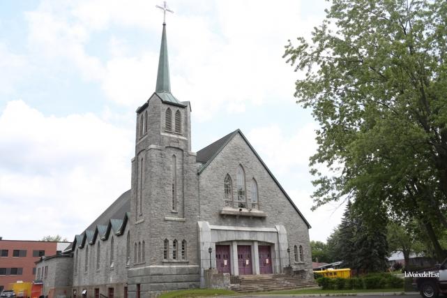 L'église Saint-Joseph de Granby avant la démolition.... (archives La Voix de l'Est)