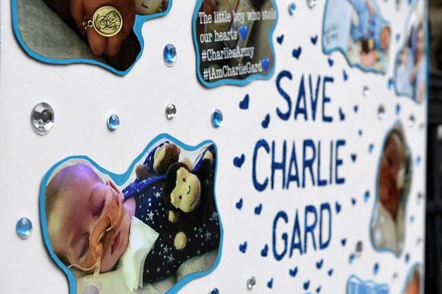 Charlie Gard,11mois, est atteint d'une maladie génétique rare... (PHOTO CHRIS J RATCLIFFE, AGENCE FRANCE-PRESSE)