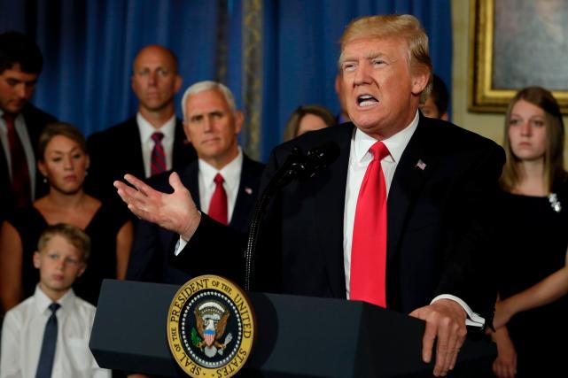 Donald Trump a une nouvelle fois reçu lundi... (AFP, YURI GRIPAS)
