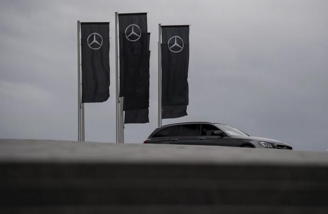 La compagnie Daimler, qui fabrique la marque Mercedes,... (Agence France-Presse)