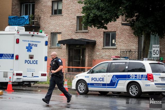 La police de Montréal confirme que des agents... (La Presse, Marco Campanozzi)