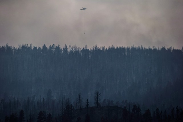 Quelque 10000résidants ont dû quitter la ville il... (Photo Darryl Dyck, La Presse Canadienne)