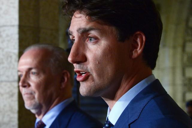 Justin Trudeau et le premier ministre de la... (PHOTO LA PRESSE CANADIENNE)