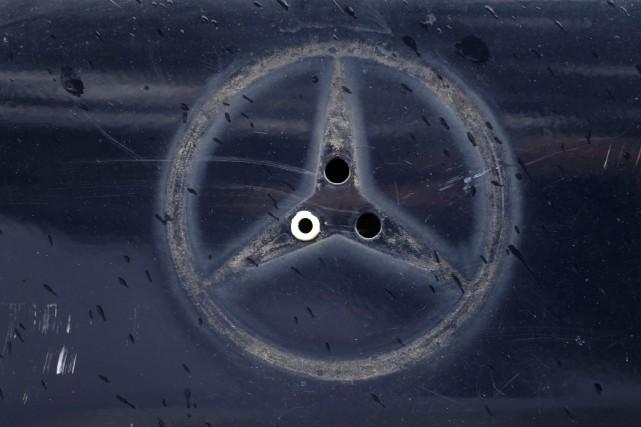 Daimler aurait été le premier constructeur à briser... (Photo : AFP)