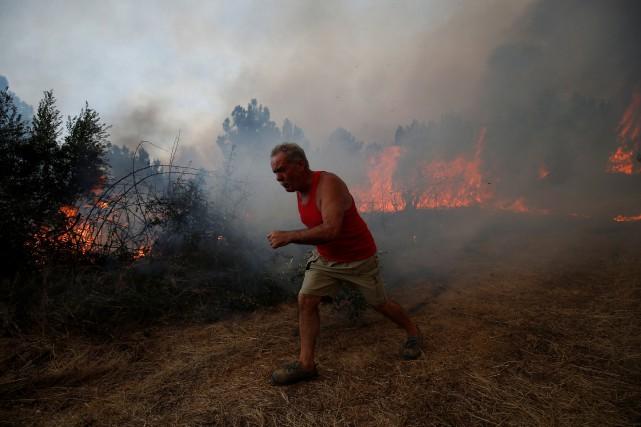 À Maçao, «le feu est très préoccupant», mettant... (Photo Rafael Marchante, Reuters)