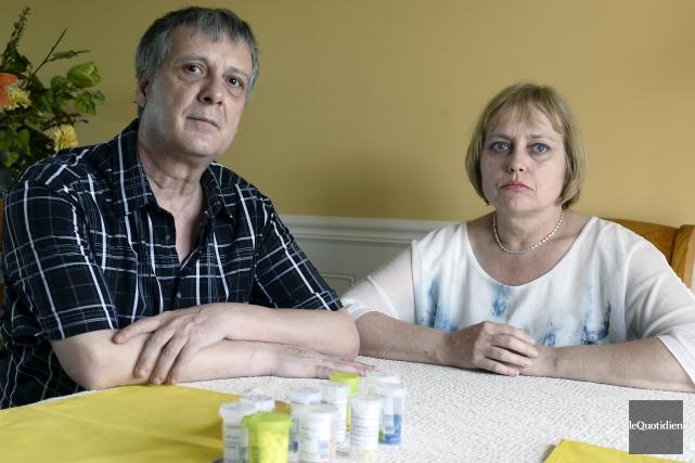 André Guérin et sa femme Lina St-Gelais sont... (Photo Le Quotidien, Jeannot Lévesque)