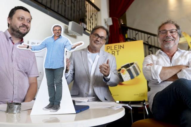 Christian Bégin (à droite) connaît personnellement plusieurs artisans... (Le Soleil, Jean-Marie Villeneuve)