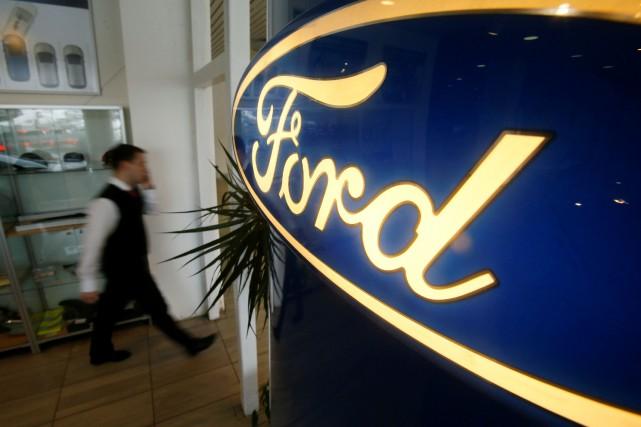 À Wall Street, le titre Ford reculait de... (REUTERS)