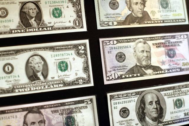 Le dollar américain s'est nettement affaibli ces dernières... (Photo archvies REUTERS)