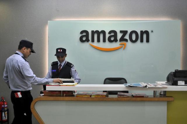 Le détaillant en ligne Amazon prévoit embaucher des... (Photo archives REUTERS)