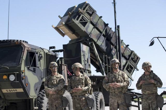 Jusqu'à présent, les militaires qui dévoilaient leur orientation... (Photo Mindaugas Kulbis, archives AP)