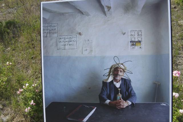 Cette photo de la série Bureaucraties, de Jan... (Collaboration spéciale Geneviève Gélinas)