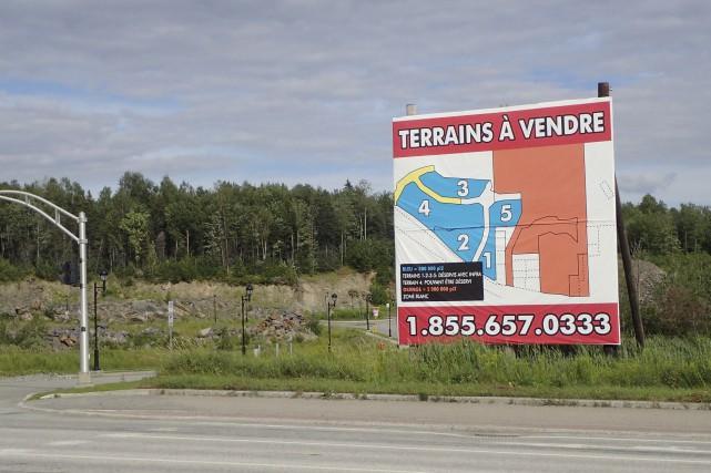 Une pancarte « À vendre » est apparue... (Spectre Média, René Marquis)