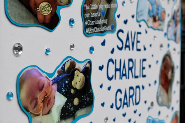Charlie Gard sera déplacé dans un établissement spécialisé... (AFP, Chris J Ratcliffe)