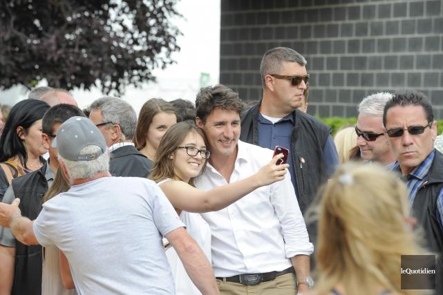 Justin Trudeau a passé la soirée au souper... (Photo Le Quotidien, Gimmy Desbiens)