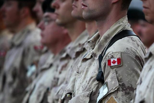 L'armée canadienne compterait plus de 200transgenres dans ses... (PHOTO ED JONES, ARCHIVES LA PRESSE CANADIENNE)